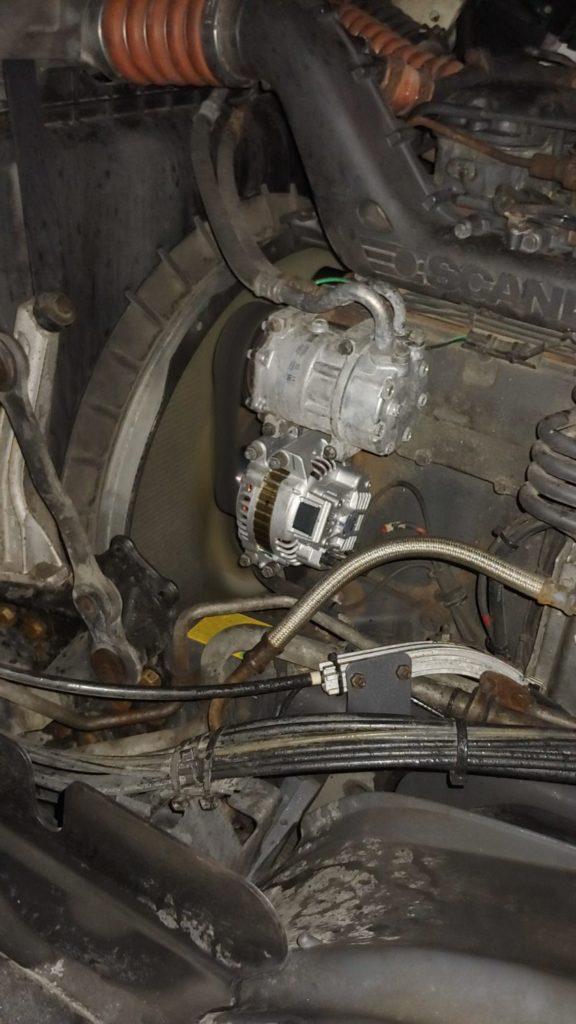 Mobilny Serwis TIR Węgry Wymienił na nowy alternator w Scani